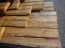 Planches taillées à la hache